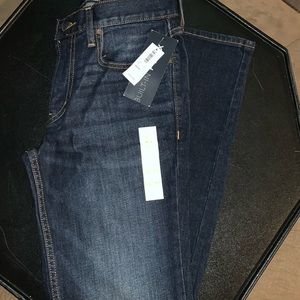 NWT Men's size 28x30 Old Navy jeans. 2 pairs